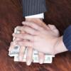 СБУшники впіймали на хабарі податківця, який вимагав 105 тис. грн