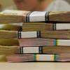 Директору одному з терцентрів незаконно доплюсували до зарплати 52 тис. грн
