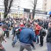 """У Хмельницькому під час скорботної ходи відбулися сутички між """"тітушками"""" і свободівцями – ФОТО"""