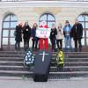 До Нового року хмельницький Євромайдан привітав Ядуху і Ко труною – ФОТО