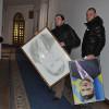 У Хмельницькій ОДА портрети Януковича носять догори дригом – ФОТО