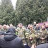 У Полонському районі люди навколішках провели загиблого солдата