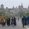 Гостей Кам'янця-Подільського на травневі свята зустрічали лицарі та смачна кава