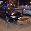 Поліцейські відгородилися від п'яного підполковника фельд'єгерської служби, який машиною протаранив клумбу у центрі Хмельницького