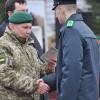 У Хмельницькому випустили 273 офіцерів-прикордонників. Президент не приїхав