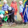 На Шепетівщині школярі висадили горіховий сад до Всесвітнього дня Землі