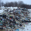 На Кам'янеччині скинули дві фури львівського сміття
