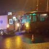 У Хмельницькому зіткнулись швидка і пасажирський автобус, є травмовані