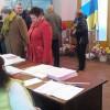 У Красилові виборці голосували без кандидата у бюлетені