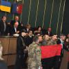 Свободівці заблокували президію Хмельницької облради через бандерівський прапор