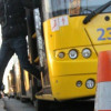 За місяць на Хмельниччині суттєво подорожчала вартість проїзду в таксі, маршрутках, впали у ціні залізничні перевезення
