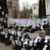 У Хмельницькому згадали загиблих майданівців тисячами паперових ангелів