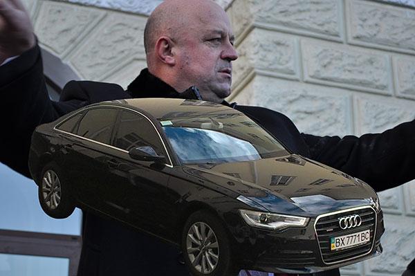 Василь-Ядуха-і-авто_колаж