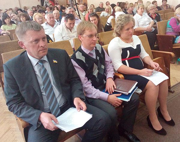 Інна Шоробура з керівництвом облради. Фото ngp-ua.info