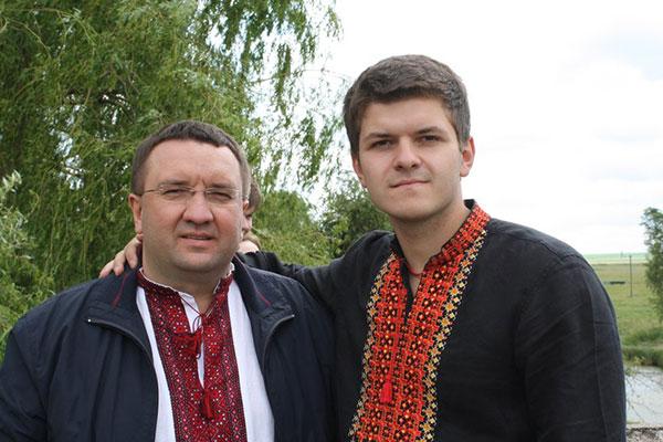 Дмитро Червонюк з батьком. Фото з соцмереж