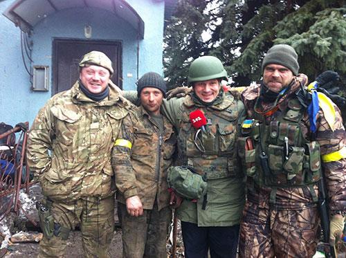 Загиблий солдат (другий зліва). Фото надане Цаплієнком