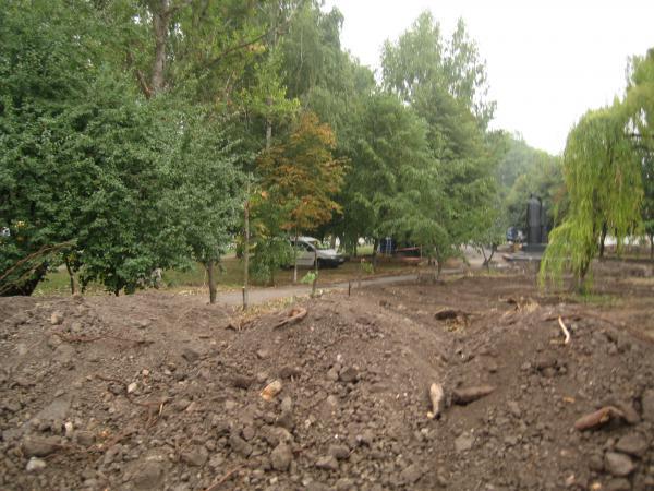 """Тут має бути пам'ятник Шевченку. Фото """"Першої міської"""""""