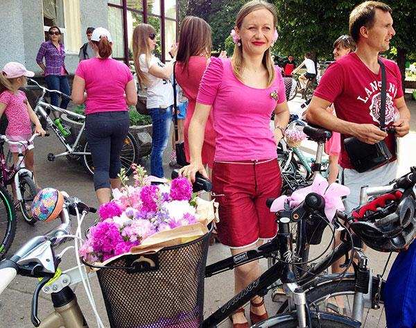 """Хмельницьким прокотився """"рожевий"""" велопарад - фото 2"""