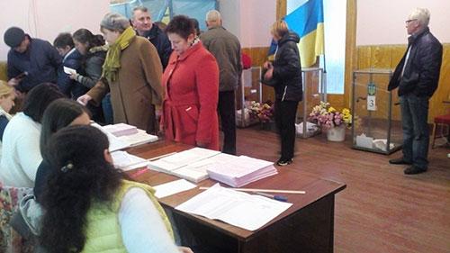 "Голосування в ОТГ Хмельниччини. Фото ГМ ""Опора"""