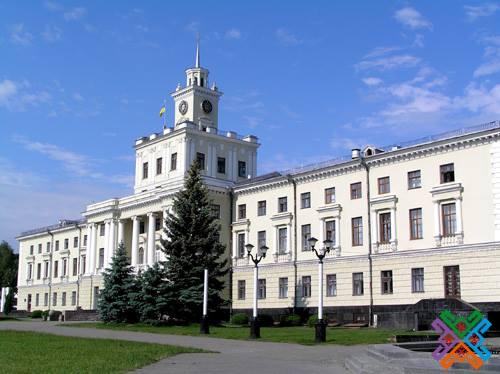 Хмельницька облрада оголосила конкурси на посади керівників чотирьох комунальних підприємств